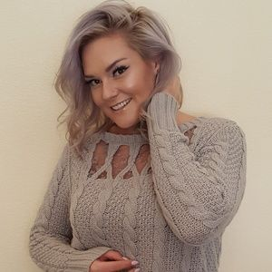 Cable knit sweater with lace collar